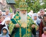 images/2013/12_arhiereev_iz_4_stran_soslugili_Patriarshemu_Ekzarhu_v_monastire5032177.jpg