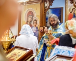 images/2013/Ikona_Bogiey_Materi_Vsetsaritsa___Doroga_Miloserdiya__stolichniy7658615.jpg