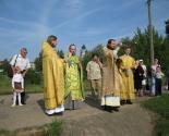 images/2013/Massoviy_obryad_kreshcheniya_proshyol_na_reke/