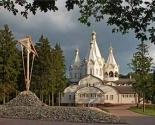 images/2013/Vstrecha_s_nastoyatelem_hrama_Sv_Novomuchenikov.jpg