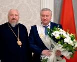 images/2014/Predsedatel_Gomelskogo_oblispolkoma_Vladimir_Dvornik_nagragdyon.jpg