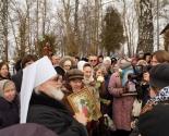 images/2015/Mitropolit_Pavel_sovershil_moleben_na_meste_upokoeniya_blagennoy6509375.jpg