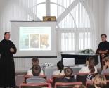 images/2017/Studenti_Instituta_teologii_BGU_proveli_urok_dlya_voskresnoy_shkoli5290973.jpg
