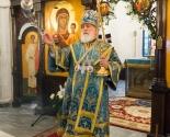 images/2018/Patriarshiy_Ekzarh_sovershil_Liturgiyu_v_prihode_v_chest_ikoni_Bogiey3448588.jpg