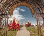 images/2020/K_Pashe_veruyushchie_ukrasili_mesto_upokoeniya/