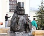 images/2020/Pamyatnik_prepodobnomu_Serafimu_Girovichskomu_ustanavlivayut_v4556668.jpg