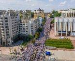 images/2021/350_tisyach_veruyushchih_proshli_krestnim_hodom_po_ulitsam1001767.jpg