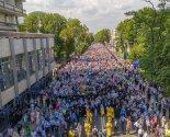 images/2021/350_tisyach_veruyushchih_proshli_krestnim_hodom_po_ulitsam6189437.jpg