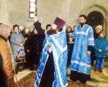 images/2021/Istoriya_prihoda_v_datah_1998_god_mitropolit_sovershil_cin_osvjaschenija_hrama_ikoni_Vziskanie_pogibshih.jpg