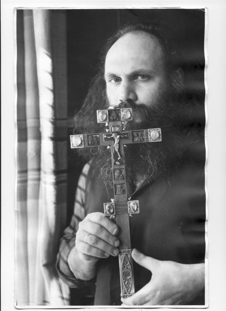Иерей Андрей Льянов. Резчик,иконописец.